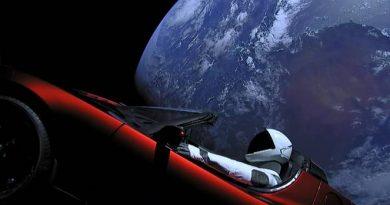 Online il sito per monitorare la posizione della Roadster nello spazio
