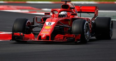 F1: a Milano lo show delle Ferrari di Vettel e Raikkonen