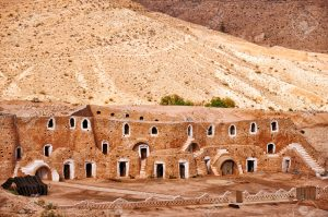 24640174-berber-dwelling-in-rocks-matmata-tunisia-stock-photo-matmata