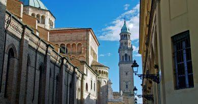 Tra passato e futuro, 'Battere il tempo'. Riflettori accesi su Parma, capitale italiana della Cultura per il 2020, città d'arte e non solo.