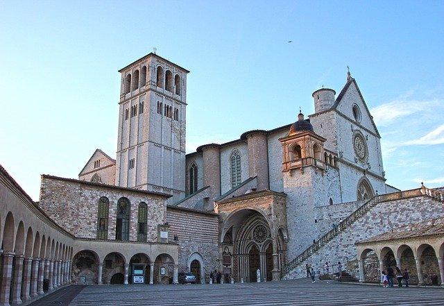 assisi-basilica-chiesa-cielo